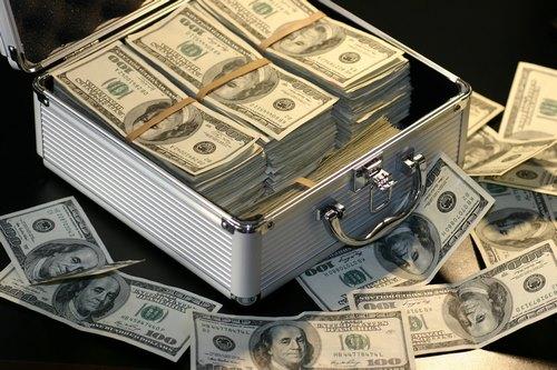 پیشینه دلار